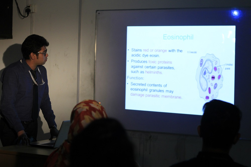 Classroom with multimedia projector (2).JPG